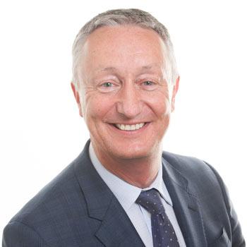 Robert Curry, Litigation & Senior Partner